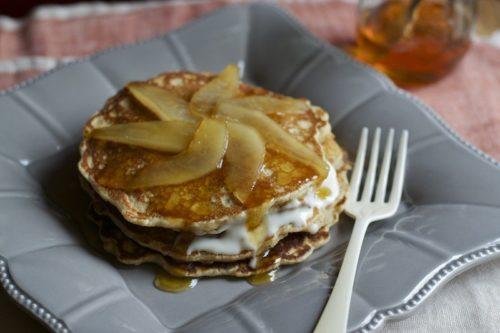 Pancake integrali miele, cacio e pere