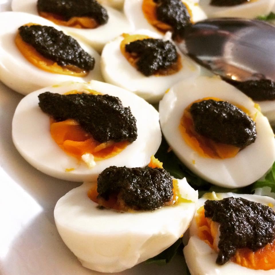 uova e salsa di menta
