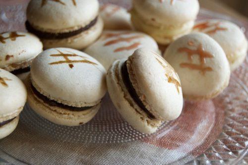 Macarons cioccolato e aceto balsamico tradizionale