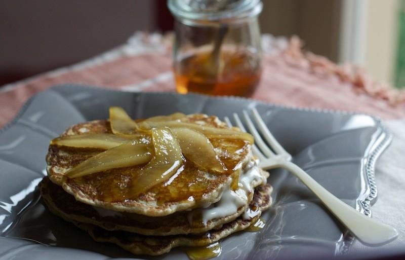 pancake integrali cacio, pere e miele